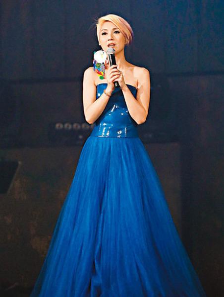 杨千嬅多谢大家成全她开跨年演唱会的梦想